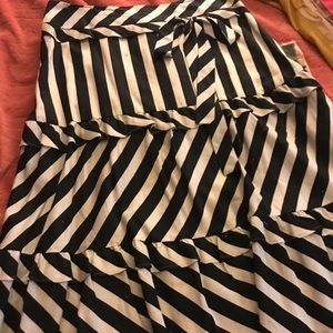 Anne Taylor black who're skirt